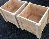 Artículos similares a Envío gratuito - SET de dos pies cedro plantador caja cuadrada para su jardín orgánico - hecha en Costa Mesa en Etsy