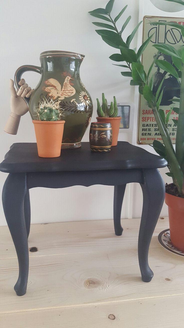 Een leuk mini queen Ann tafeltje. Ook leuk als bijzet tafeltje of plantentafeltje voor  maten en prijs zie www.boodstyling.com