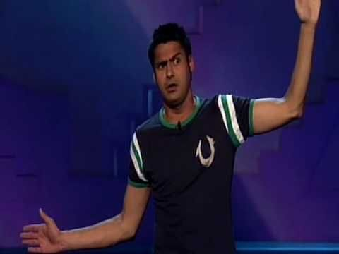 Danny Bhoy fights a gecko