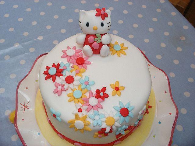 Hello Kitty Cake- flowers