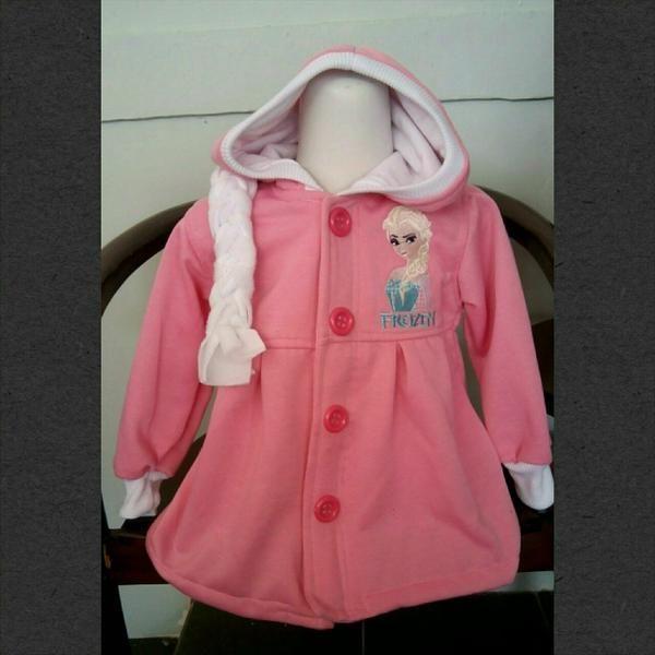 Jaket Frozen Pink (Resleting di dalam) Ada kepang dibelakang Bahan:Fleece Gambar: Bordir  Harga: 99.000 Size :2,3,4,6,8,10  Lebar dada/panjang: Size 2: 32/44cm Size 3: 33/47cm size 4: 36/49 size 6: 38/51 Size 8: 40/54 size 10:42/57 biasanya: sz 2 untuk 2th sz 3 untuk 3th size 4 untuk 4-5th Size 6 untuk 5-6th size 8 untuk 6-7th size 10 untuk 7-8th SMS/WA 085288041323 www.bukalapak.com/jaket_anak