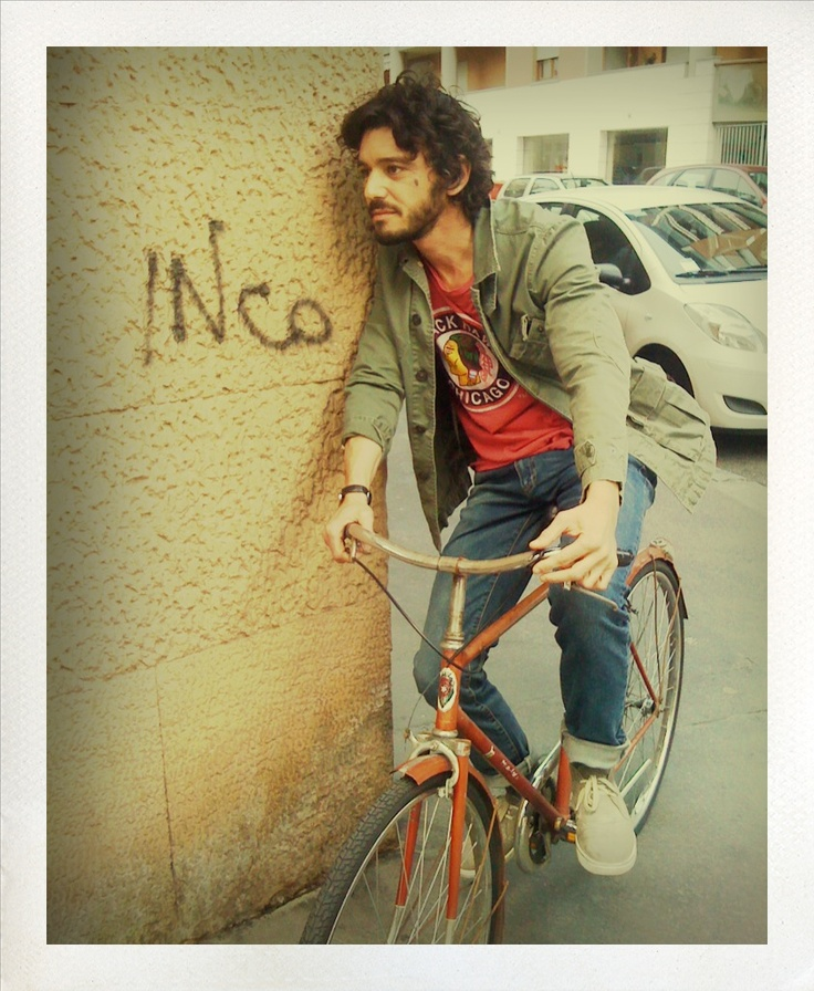 Michele Venitucci che attende il ciak per una delle sue scene più intense.  #italianmoviesilfilm  #backstage  #backstage