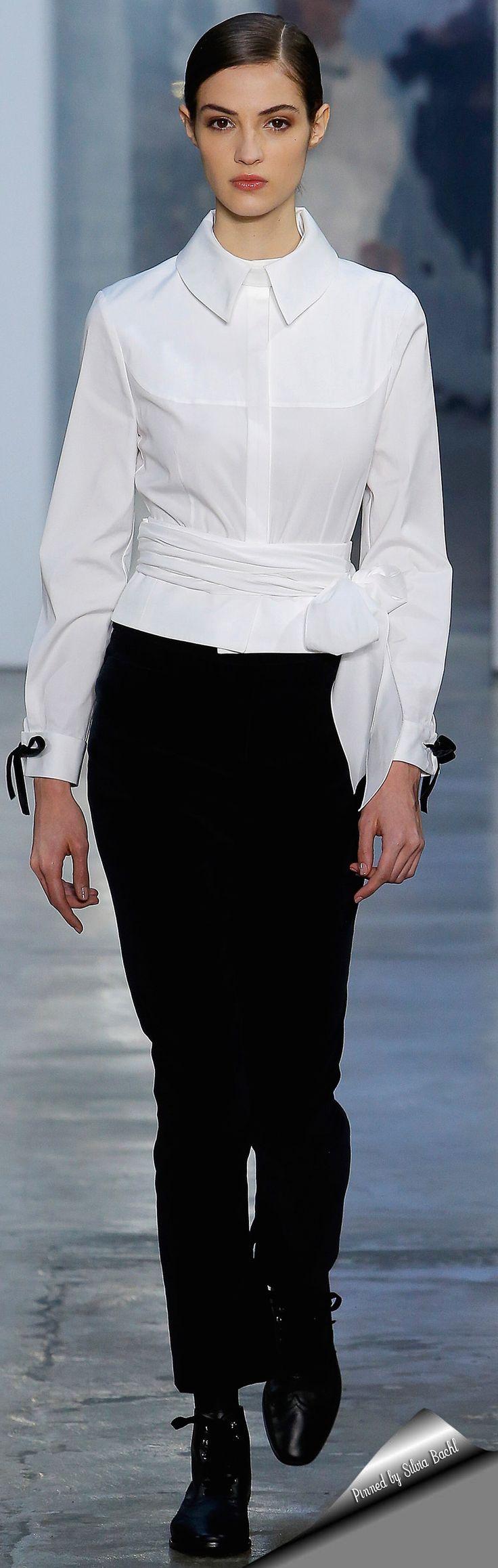 Carolina Herrera at New York Fashion Week Fall 2017.18.