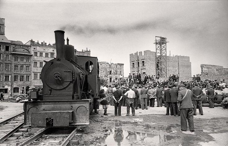 Odbudowa Starówki Warszawa, 1950 autor: Mierzanowski