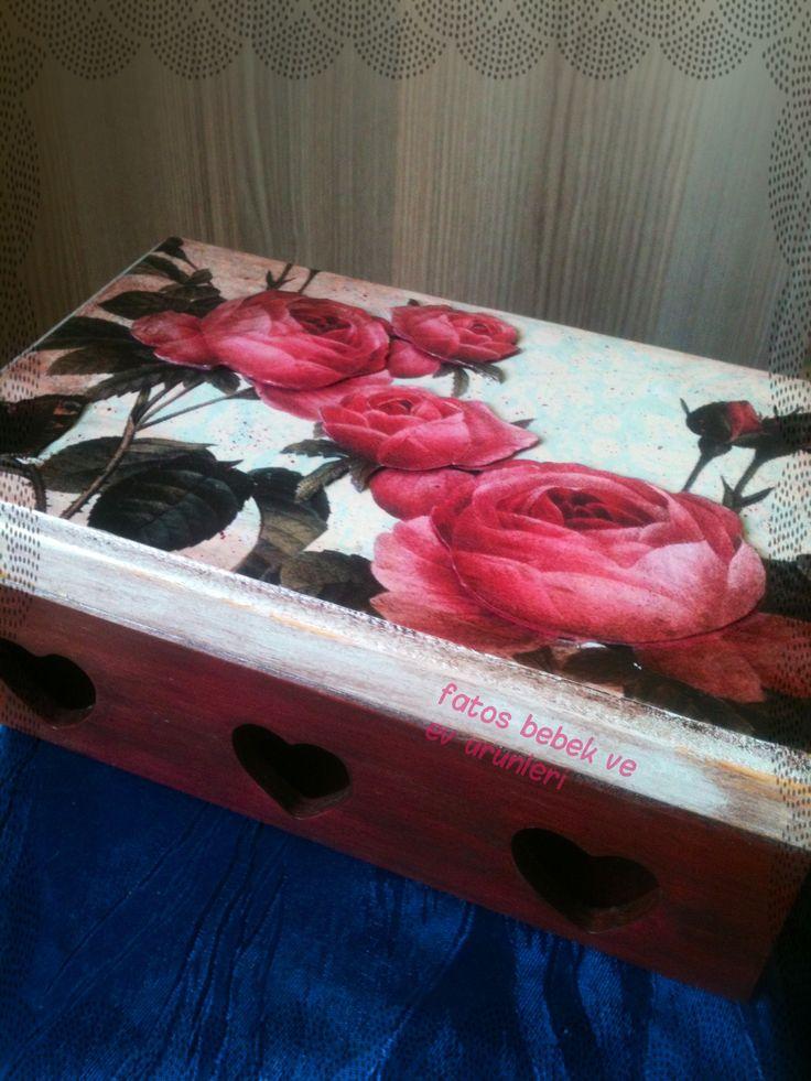 Güllü Ahşap Kutu- El emeği/ Rose Wood Box- Handmade