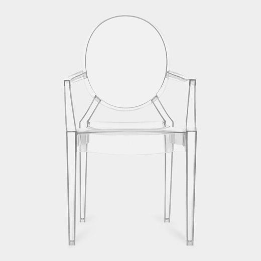 Louis Ghost Armchair. Philippe Starck - 2002  Polycarbonate transparent. Injection de plastique, moule.