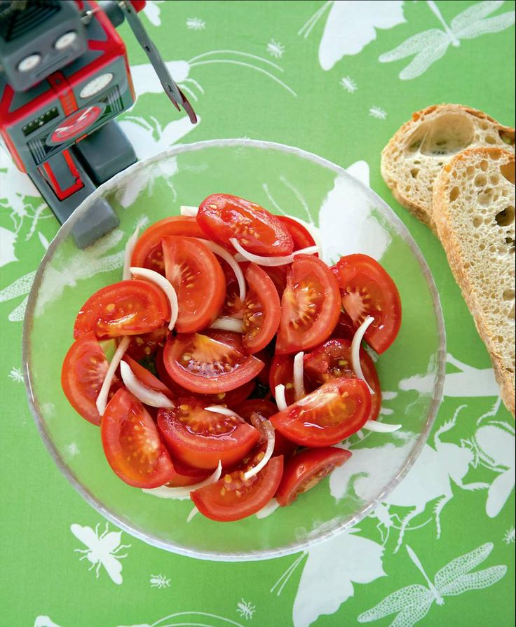 Juicy tomato salad by Sabrina Parrini | Cooked
