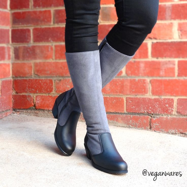 Long Samette boots.