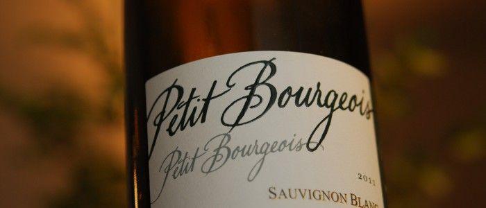 Petit Bourgeois Sauvignon er en sikker vinner. Nå er prisen også satt ned.   Vi digger Sauvignon Blanc. Og Petit Bourgeois Sauvignon er en hvitvin laget utelukkende på druetypen Sauvignon Blanc. Produsenten heter Henri Bourgeois, og er en kjent produsent fra Loire og Sancerre.   Mer på Druelig.no