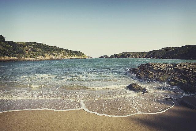 Descubra 35 pousadas baratas em Búzios para economizar na sua viagem. São pousadas em Búzios na rua das pedras e nas praias mais badaladas. Clique aqui!