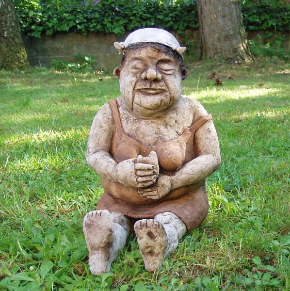 Hunger-ceramic sculpture Michaela Stejskalova