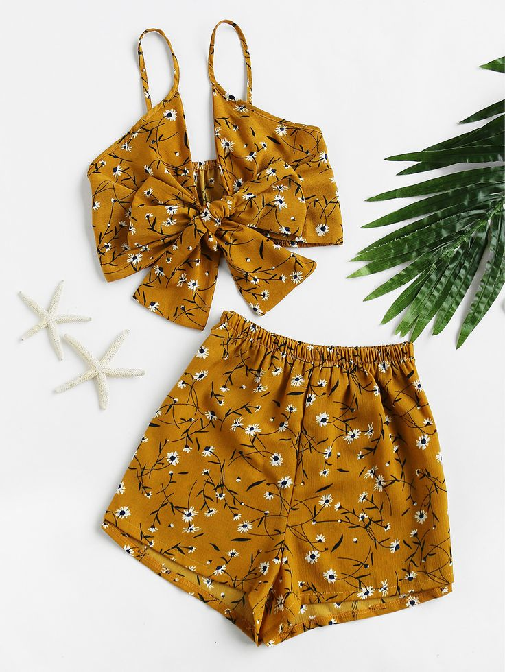 ¡Cómpralo ya!. Florals Bow Tie Open Front Crop Cami Top With Shorts. Shorts Yellow Polyester Floral Strap Sleeveless Bow Sexy Vacation Fabric has no stretch Summer Two-piece Outfits. , topcorto, croptops, croptop, croptops, croptop, topcrop, topscrops, cropped, topbailarina, corto, camisolacorta, crop, croppedt-shirt, kurzestop, topcorto, topcourt, topcorto, cortos. Top corto de mujer de SheIn.