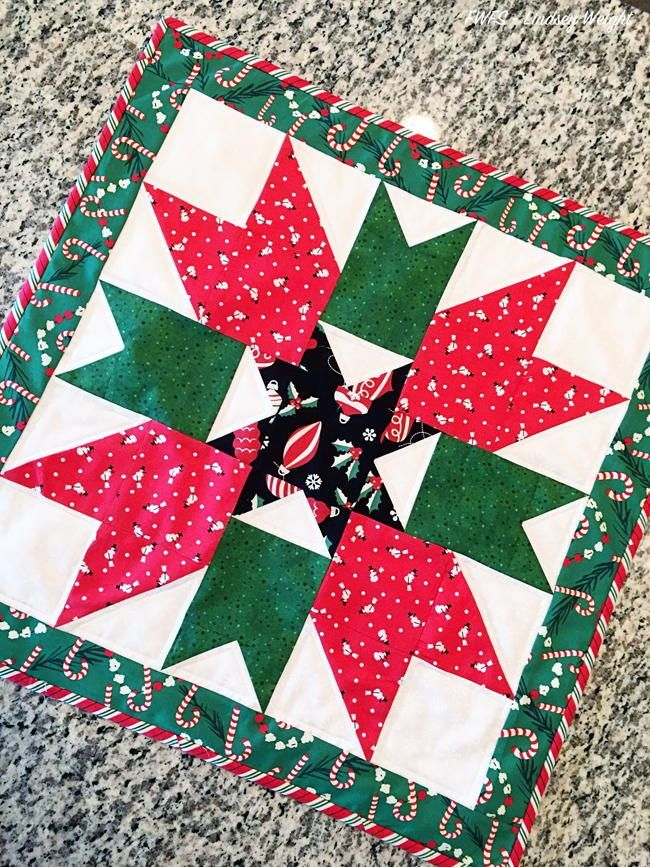 Magical Mistletoe Christmas Table Topper Christmas Table Toppers Christmas Table Runner Pattern Christmas Quilt Patterns