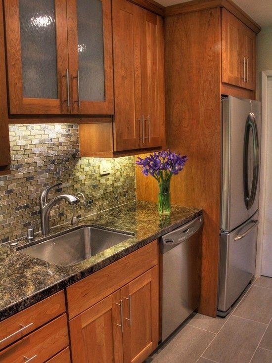 Top 25 best galley kitchen design ideas on pinterest for Galley kitchen backsplash ideas