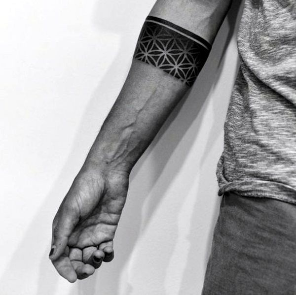25 best ideas about armband tattoo on pinterest band tattoo forearm band tattoos and line. Black Bedroom Furniture Sets. Home Design Ideas
