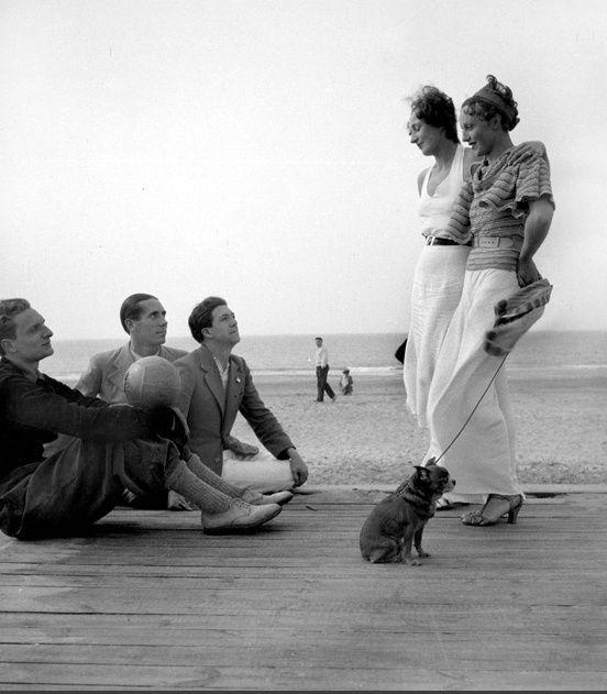 Chamade - Vintage French Photos Boris Lipnitzki Deauville 1937