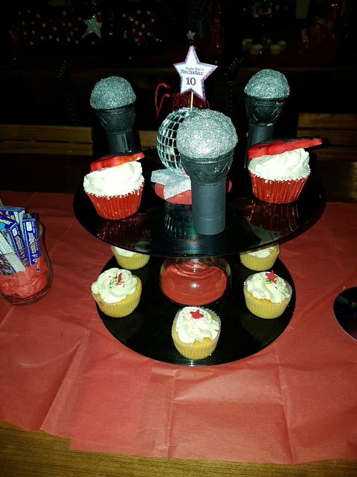 Mic cup cakes
