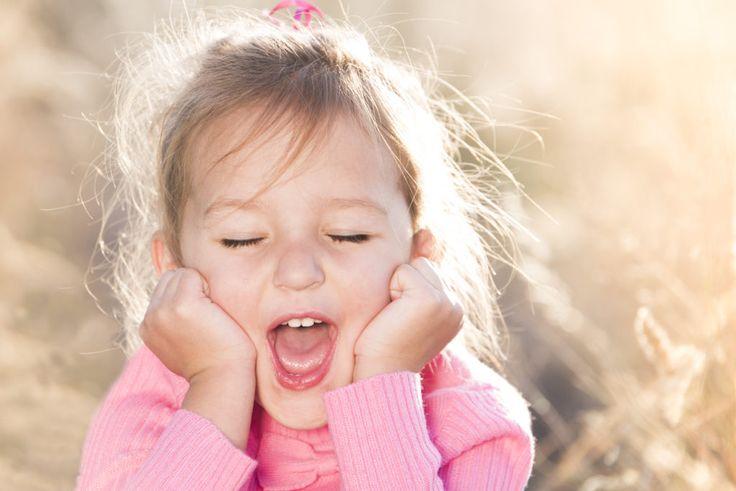 Gauteng Photographer | AnlaCreative Photograper | Cute little girl pose