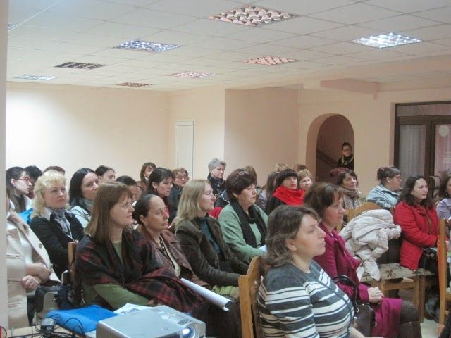 Centrul Academic Internaţional Eminescu: PROIECTUL TROLLEYBOOK LA FINAL