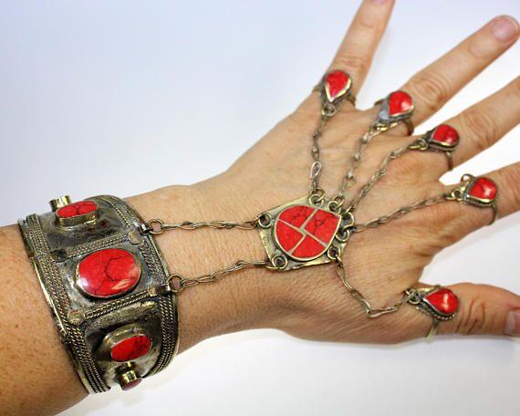 Handflower mit roten Steinen Tribal-Armspange Afghanisches