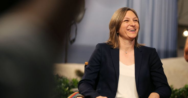 Ms. Holland, the vice president for original content at Netflix, says managers should avoid micromanaging their employees. (With video.)