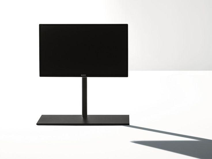 SAIL 301 Mobile TV girevole in metallo Produttore Desalto design by CARONNI & BONANOMI ARCHITETTI ASSOCIATI (2013) Collezione Sail L'originale progetto Sail si evolve e genera un sistema che offre molteplici soluzioni per il supporto di TV ultrapiatti anche di grandi dimensioni. Essenziale e leggero Sail lascia che siano protagoniste le immagini, ma anche quando tutto è spento è un segno grafico sofisticato ed elegante. Sail non è solo perfetto per gli spazi domestici, con specifiche…