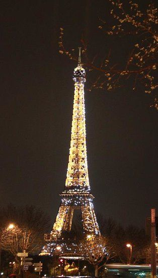 A perfect ending with the Eiffel Tower - French Flea Market Shopping Tips