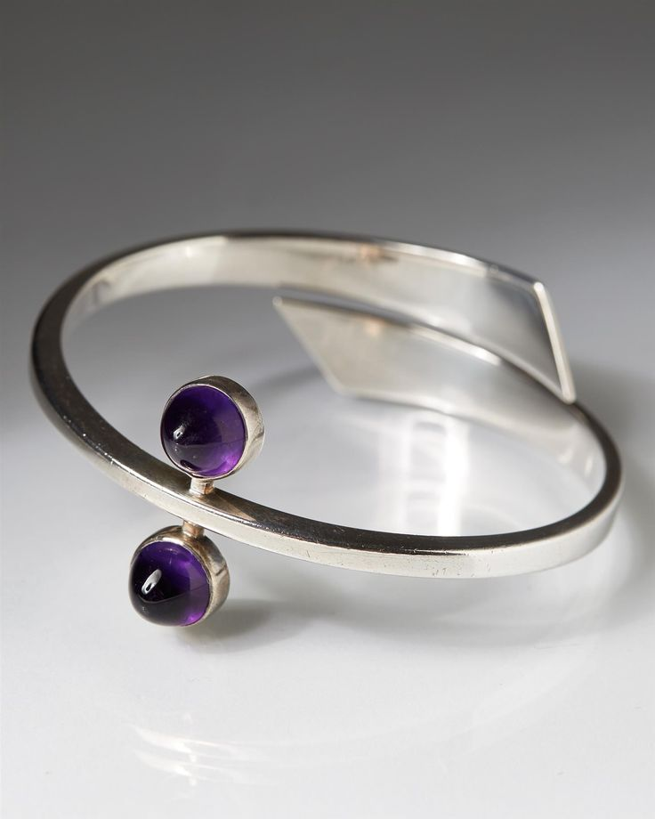 Bracelet, designed by Hans Hansen, Denmark. 1950's. Sterling silver and amethysts.