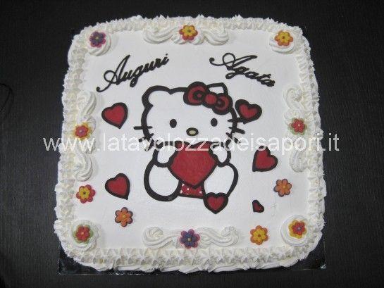 Torta di Panna con Cialda Hello Kitty di cioccolata  http://www.latavolozzadeisapori.it/ricette/torta-di-panna-con-cialda-hello-kitty-di-cioccolata