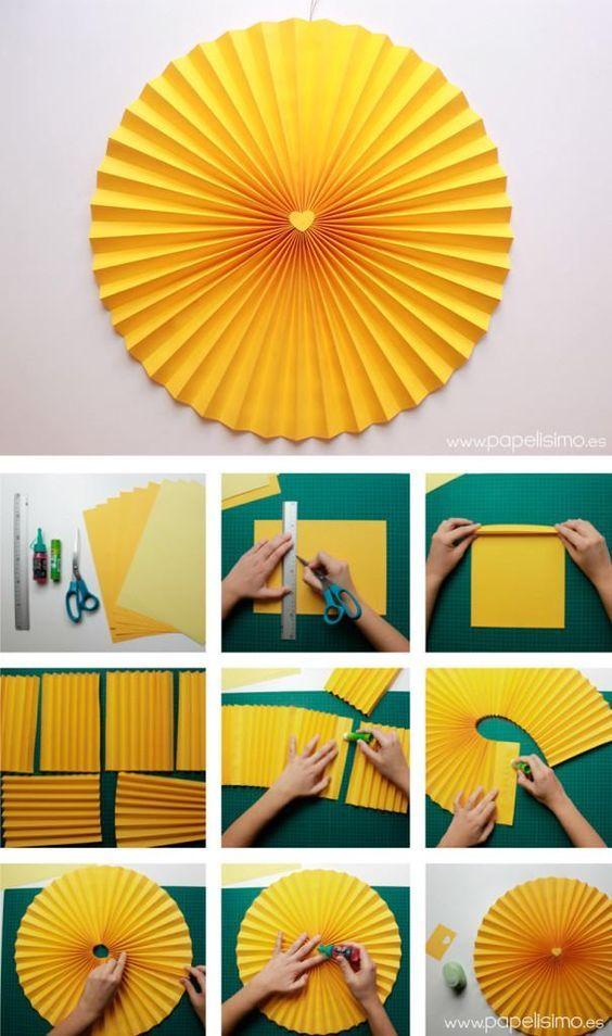 Cómo hacer rosetas o medallones de papel para fiestas | Aprender manualidades es facilisimo.com: