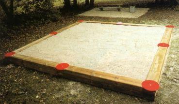 Sandkasten groß bei spielendraussen.de unter http://www.spielendraussen.de/product_info.php?info=p251_sandkasten-gross.html