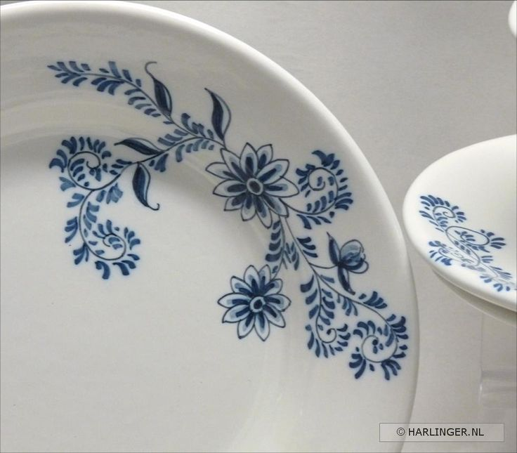 Handpainted earthenware by Harlinger Aardewerk & Tegelfabriek #ceramics