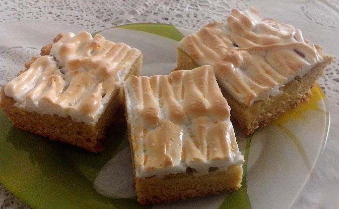 Rebarborový koláč se sněhem | NejRecept.cz