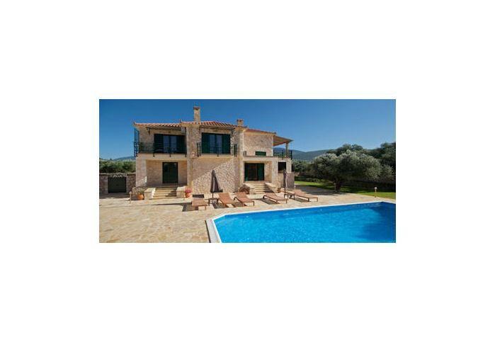 Sami Holiday Villa Rental with air con and TV EROTO