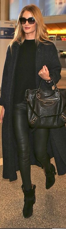 Who made  Rosie Huntington-Whiteley's gold jewelry, black suede ankle boots, and leather handbag?