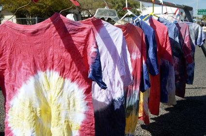 How to Tie Dye Shirts With Kool-Aid. Easy and the girls loved it!!!!
