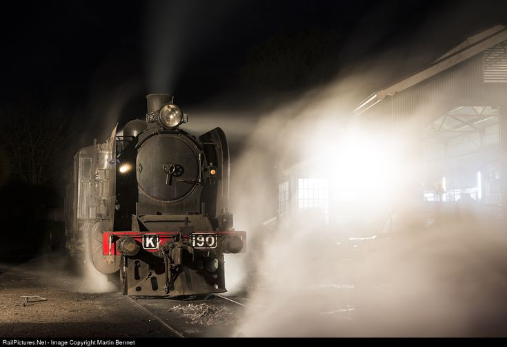 RailPictures.Net Photo: K190 Steamrail Victoria Steam 2-8-0 at Maldon, Victoria, Australia by Martin Bennet