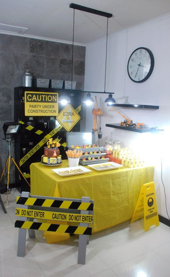 moshe things: Ezra's construction birthday party