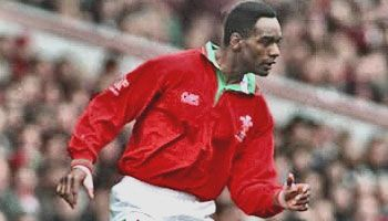 #rugby history Born today 15/06 in 1963 : Nigel Walker (Wales) played v New Zealand in 1997     http://www.ticketsrugby.com/rugby-tickets/games/Wales-New-Zealand-rugby-tickets.php