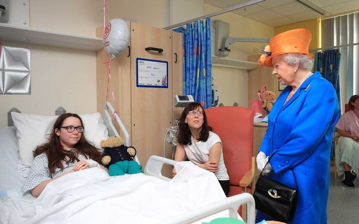"Queen Elizabeth visits young Manchester attack victims in the hospital - Queen Elizabeth told one patient that the suicide bombing was ""dreadful"" and ""very wicked."""