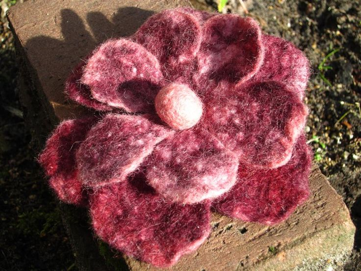 Felted flower made by Marjo Lelie