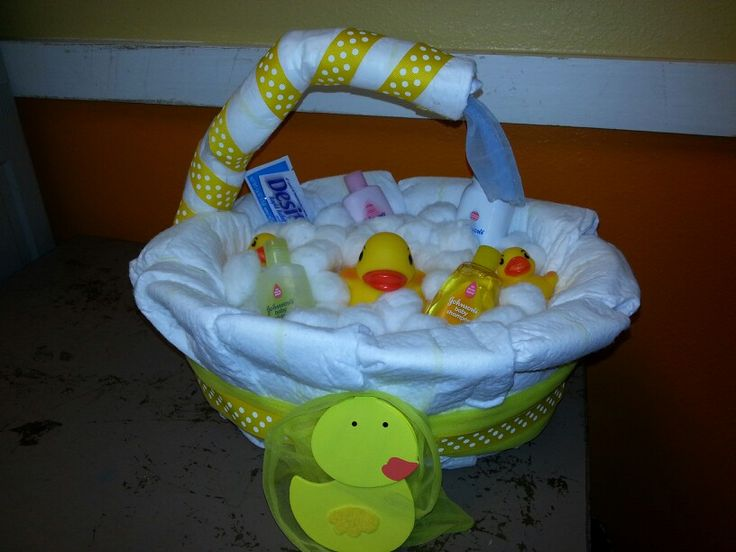 bath tub rubber duck diaper cake diy baby pinterest bath tubs ducks and rubber duck. Black Bedroom Furniture Sets. Home Design Ideas