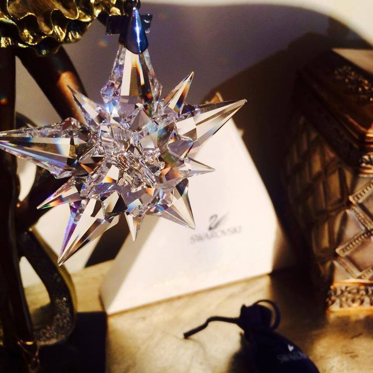 Swarovski Crystal 2001 Annual Christmas LARGE STAR Snowflake 267941 with box #Swarovski