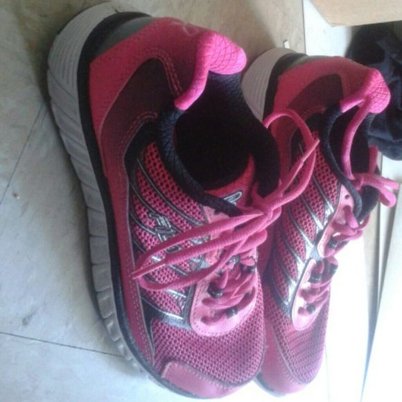 Fila running shoes only worn 2 times  are in good condition Fila Shoes Athletic Shoes