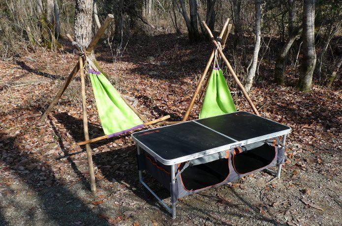 ブッシュクラフトを駆使して三脚とチェアを野外工作する方法を紹介します。はじめてのブッシュクラフトでも挑戦しやすいように詳しく丁寧に解説しているので、みなさんチャレンジしてみてください!今までと明らかに違うキャンプを楽しむことができますよ!