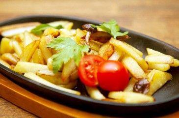 Жареная картошка с луком - рецепты с фото. Как приготовить жареный картофель с луком на сковороде
