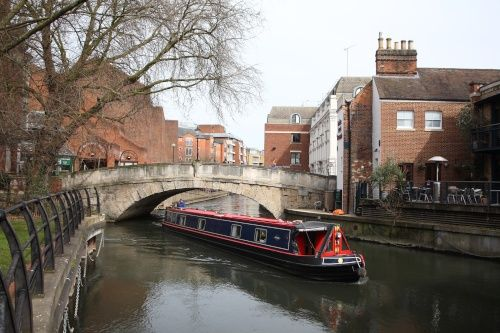A view of Duke Street Bridge and the Kennet and Avon Canal in Reading town centre