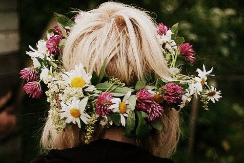 wreath of flowers.