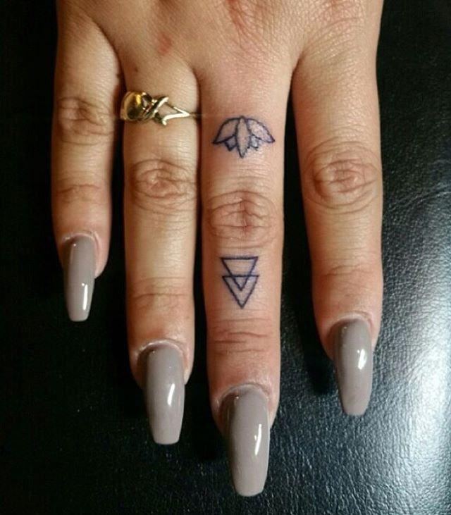 https://flic.kr/p/CQghfx | Finger Tattoo by @osman_coki #miamitattoo…
