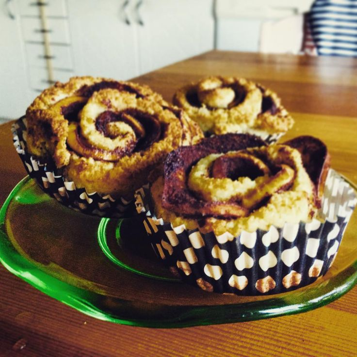 """rebecca.dahlin_83@live.se på Instagram: """"I baked some cinnamonrolls with appels, made to look like roses.  I like the result.  #glutenfree #sugarfree #dairyfree #healtyeating #healthy #sukrin #sukringold #sockerfritt #mejerifritt #glutenfritt #nyttigt"""""""